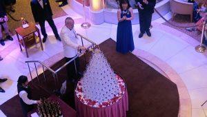 ダイアモンドプリンセス シャンパンタワー
